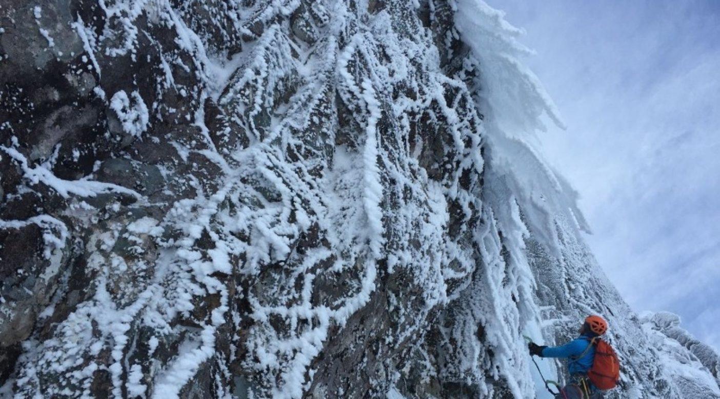 スコットランドのベン・ネヴィスの「ジェミナイ」で出口を探るジョン・ブレイシー。Photo: Kristo Torgersen