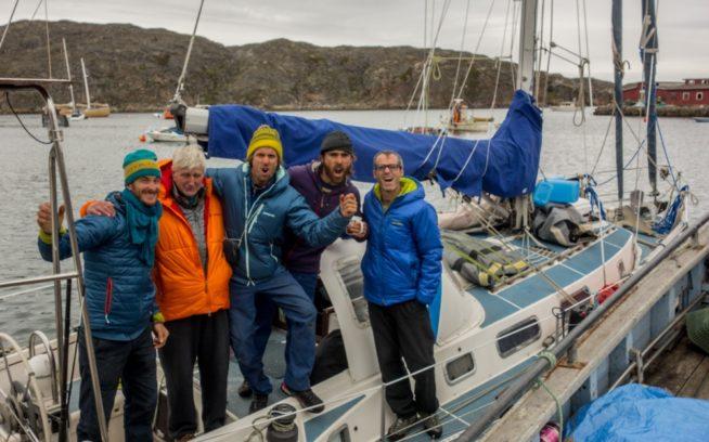 ドドズ・デライト号での前回の遠征から4年。ここに戻ってきたことに興奮しているワイルドな一団と船長のボブ・シェプトン師。写真提供:ワイルドな一団