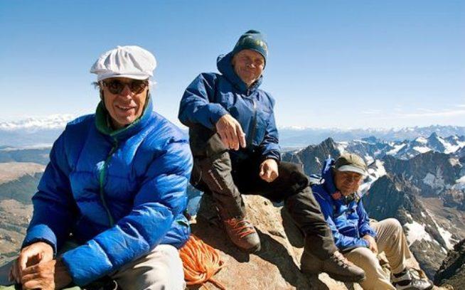 2008年、セロ・クリスティンの山頂のダグ・トンプキンス、リック・リッジウェイとイヴォン・シュイナード。Photo: Conservacion Patagonica Archives
