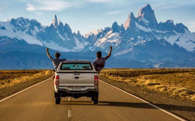 この場所にたどり着き、この風景を見るためにかけた1年もの執着と計画がついに実った瞬間。エル・チャルテンへの道にて。アルゼンチン、パタゴニア Photo:Matthew Van Biene