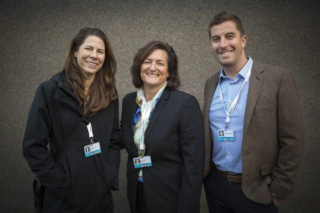 パリのパタゴニア:環境アクティビズム担当副社長のリサ・パイク・シーヒー、CEOローズ・マーカリオ、グローバルPR&コミュニケーション担当ディレクターのアダム・フェッチャー。Photo: Kodiak Greenwood
