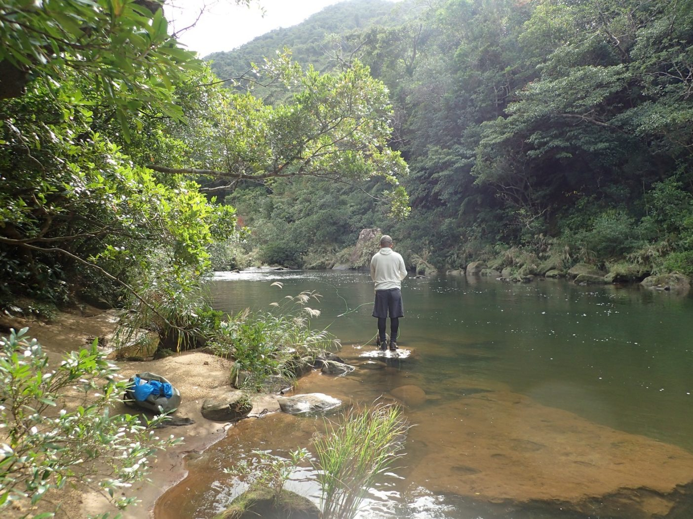 ユゴイはおおらかに反応してくれるし、開けた流れなので難しい釣りではない。写真:中根 淳一