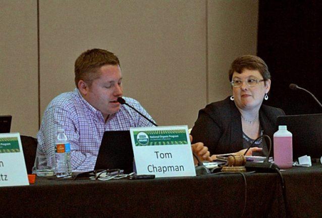 NOSB理事のトム・チャップマン。彼の指導下で、水耕栽培を禁止する推薦は敗北した。同氏はクリフ・バーの食品材料調達マネージャーである