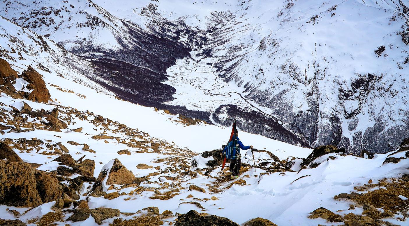 バリローチェ、フレイの山小屋から岩だらけの稜線を歩く