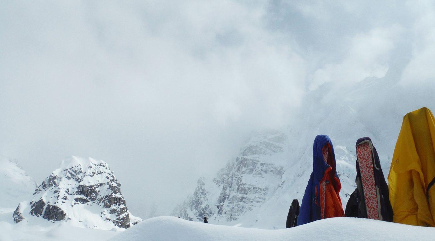 ベースキャンプから北壁を望む 写真:鈴木 啓紀