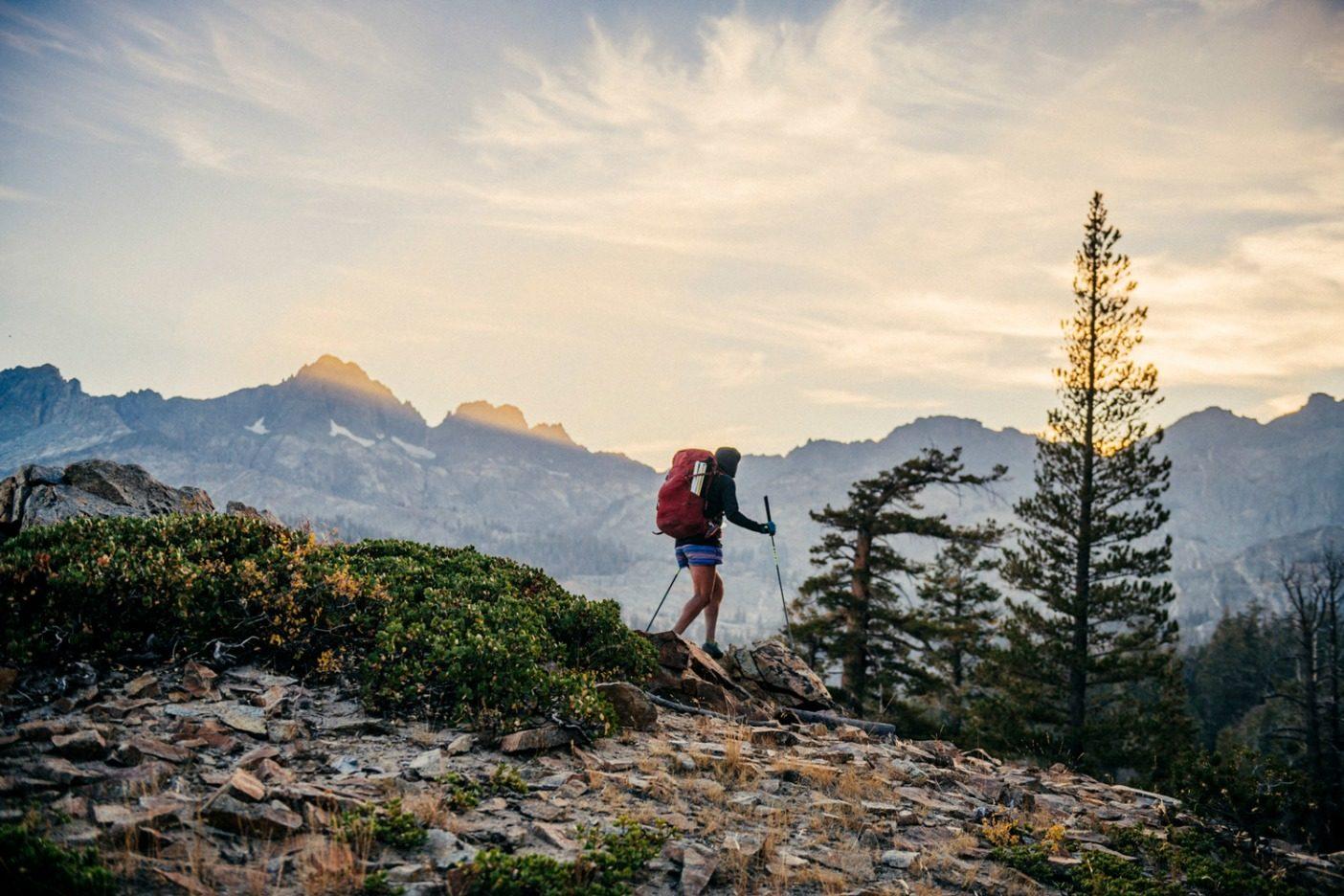 本の各セクションには「山岳オプション」と呼ばれる、登るべき頂のリストがあった。私は女性の既知最速記録を男性のものよりも包括的にするべく、新たな基準を定めた。5つのセクションすべてで、フォーティーナー(標高14,000フィート=4,267メートル以上の山)を登り、魚を釣る。つまり、Fastest Fish Fourteener Known Time(FFFKT)である。Photo: Ken Etzel