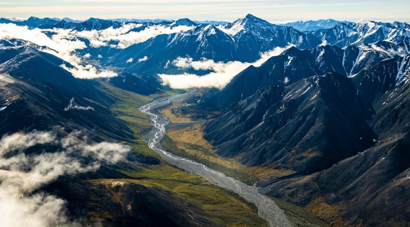 アラスカ州北極圏国立野生生物保護区ブルックス・レンジの丘陵。Photo:Austin Siadak