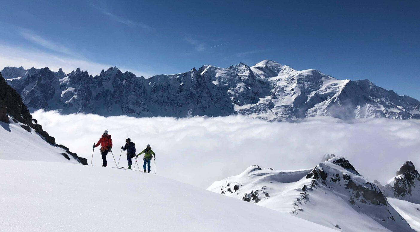 ヨーロッパアルプスでのスキーツアーガイディング