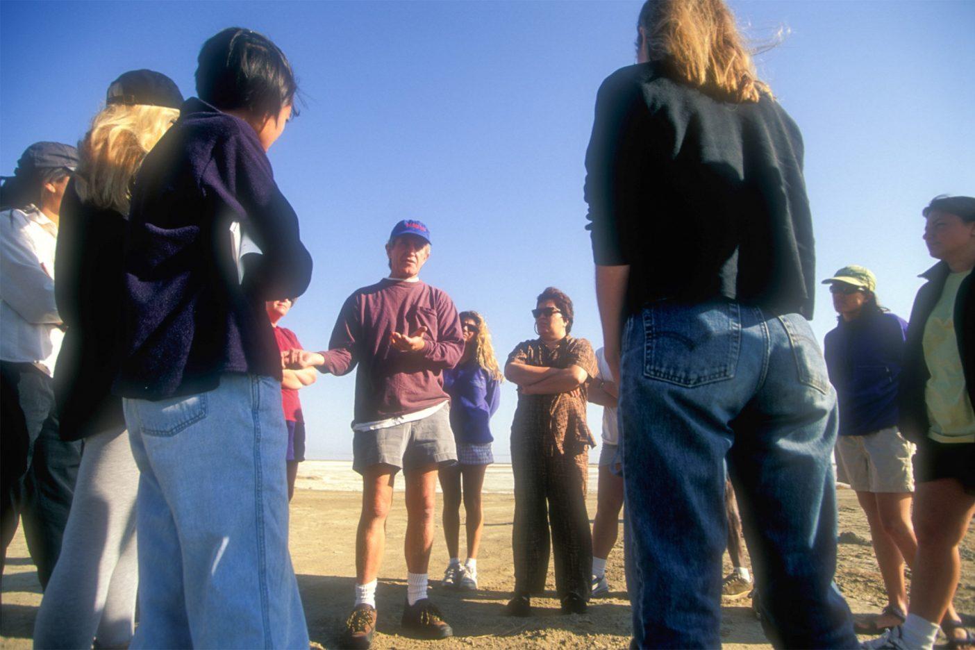 人の健康がかかっているとき、それはただ普通の野外見学ではない。カリフォルニア州サンホアキン・バレー Photo:Corey Rich